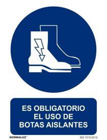 Señal Es obligatorio el uso de botas aislantes