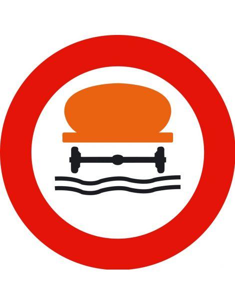 Señal Entrada Prohibida a Vehículos que Transporten Productos Contaminantes del Agua