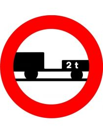 Señal Entrada Prohibida a Vehículos de Motor con Remolque, Que no Sea un Semirremolque o un Remolque con un Solo Eje